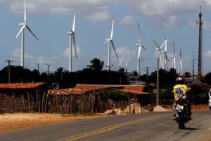 WS28 RIO GRANDE DO NORTE 14/11/2014 - ENRGIA EÓLICA - ECONOMIA - EXCLUSIVO -EMBARGADO - Na foto cidade de queimadas-RN. Nordeste é a nova fronteira elétrica do pais , além das eólicas a região também vai receber projetos de energia solar. Fontes renovaveis incrementam a renda da população local.FOTO:WERTHER SANTANA / ESTADÃO